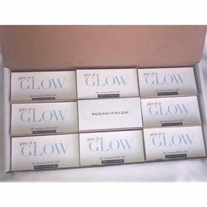 RODAN + FIELDS Other - RODAN + FIELDS REDEFINE Give It A Glow Packets